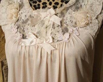 So feminine! Vintage Peignoir Set overflowing with details! Lace, flowers,bows this is a confection of feminine style. In a very soft dusty