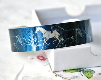 Horse jewellery cuff bracelet, equestrian metal bangle in slate blue, horse lover gift. Equine gifts. Secret message. B383