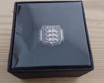 Vintage boxed Jersey coat of Arms ring