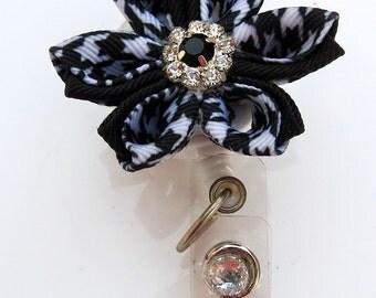 ID  Badge Holder Retractable ID Holder Pointed Petals Kanzashi Flower
