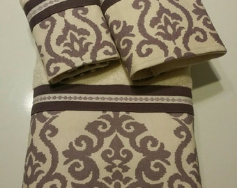 Dusty Plum Purple and Ivory Damask Bath Towel Set