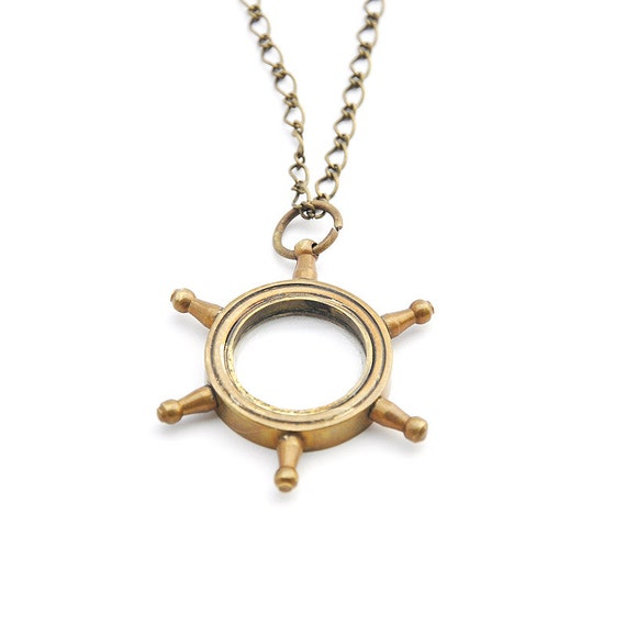 Vintage brass boat wheel pendant necklace with real magnifier