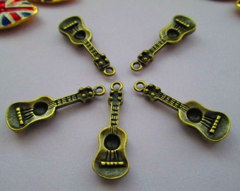 Guitar shaped magnets