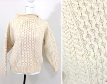 Vintage Beige Wool Pull-over Hand-Knit Sweater