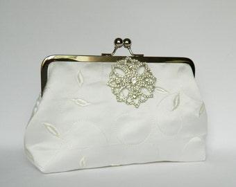 Ivory Bridal Clutch, Embroidered Ivory Clutch, Brides Clutch, Ivory Wedding Clutch, Ivory Clutch, Ivory and Rhinestone Clutch