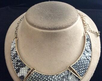 Vintage Chunky Goldtone & Leather Designed Necklace