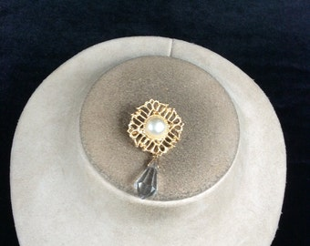 Vintage Faux Pearl & Dangling Glass Stone Pin