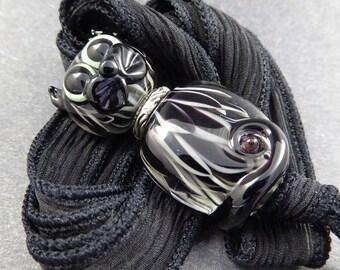 Black Cat Pendant Necklace - Handmade Lampwork Glass Beads - SRA OOAK Hand Made Art Glass Cat Bead