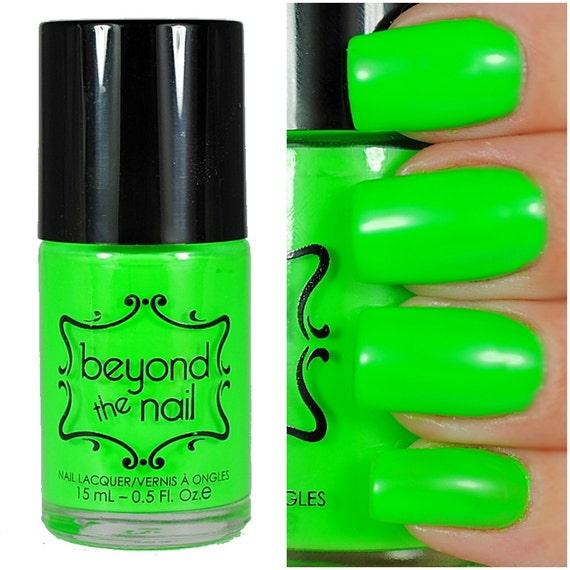 Neon Green Nail Polish UV Reactive