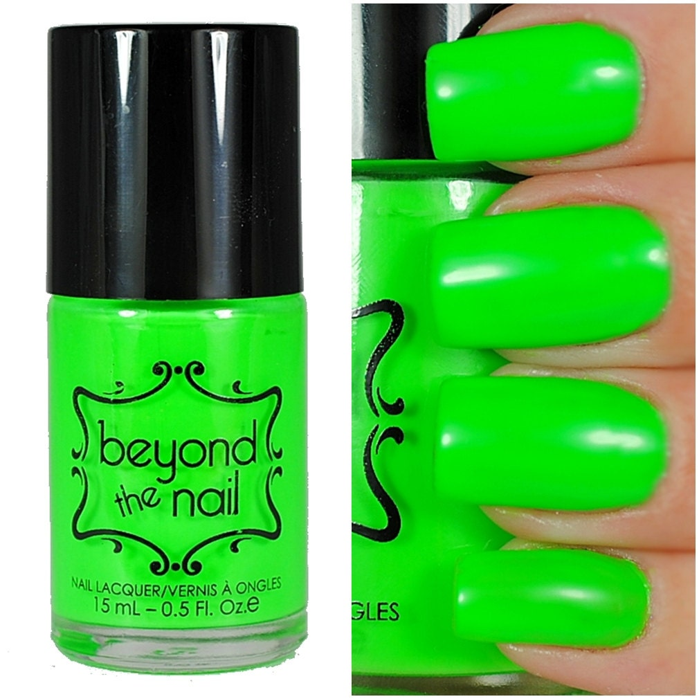 Neon Green Nail Polish UV Reactive