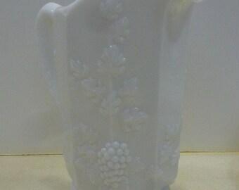Beautiful Grape Pattern Westmoreland 32 Oz.Pitcher