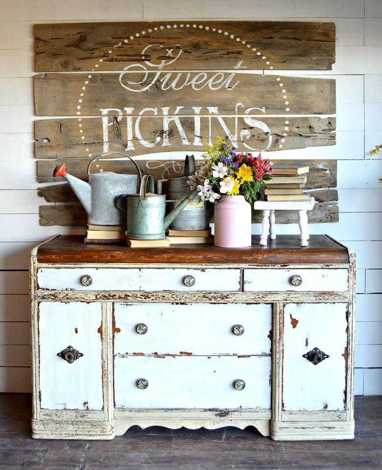 The Best Rustic Farmhouse Paint Colours: Sweet Pickins Milk Paint