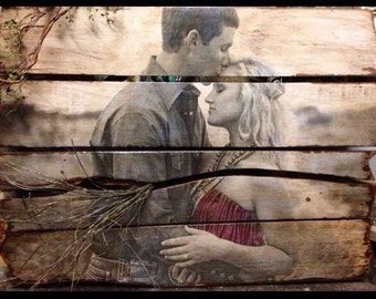 PALLET PORTRAITS comes in several sizes. Just send me your photo! Rearviewhomedecor@gmail.com