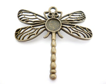 Kit Antique Bronze Dragonfly Charm Pendant and Glass Cabochon_J788664541BP040_OF 45 mm _1/12 in_pack 3 pcs_inside cameo 8 mm
