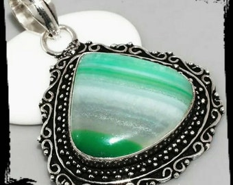 Vintage style green lace onyx