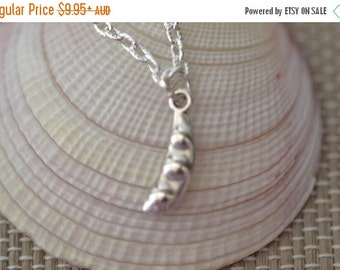 SALE Tiny Peas in a Pod Necklace, NP002, Family, Sisters, Cousin, Mum, Daughters
