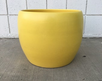RARE Vintage GAINEY Ceramics J-14 Planter / Flat Matte Yellow / Architectural Pottery Style Vase