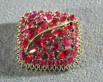 Vintage Yellow Gold Tone Huge Multi Round Marquise Pink Red Rhinestone Bold Pin Brooch **RL