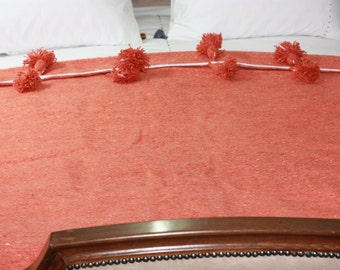Pompon blanket