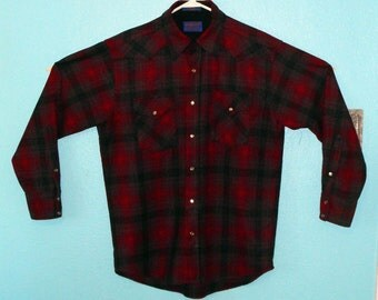 "Sale - all clothing! See shop announcement — 90s/early 2000s Men's ""Pendleton"" Virgin Wool Long Sleeve Shirt Size M"