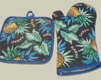 VintageHawaii Oven Mitt and Pot Holder Souvenir 1970s