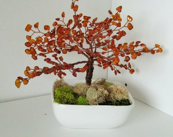 Amber wood wire tree