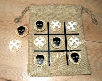 Pirate tic tac toe game skull and bones kids travel game with burlap bag board , great for camping , valentines day gift or birthday gift