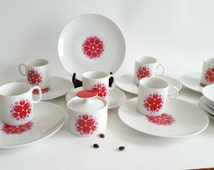 Thomas Rosenthal Germany 1970's. Set of 6 coffee cup, 6 saucers, 6 cake plate, suggar bowl. Colourful flower decoration pop art design