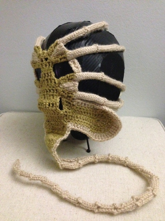 Xenomorph Knitting Pattern : Xenomorph Alien Facehugger Face Warmer PDF Patern from ...