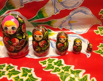 Vintage set of 5 hand painted Russian nesting dolls