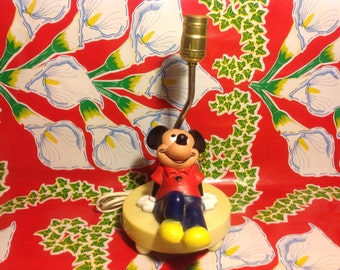 Vintage plastic Mickey Mouse lamp- Disney