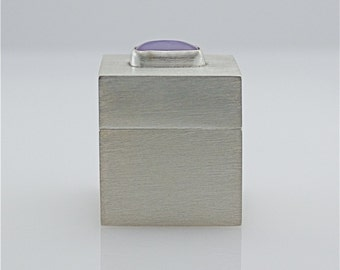 Sterling Silver Pill/Presentation Box With Holley Lavender Chalcedony - Bezel Set Holley Lavender Chalcedony Cabochon - Keepsake/Treasure