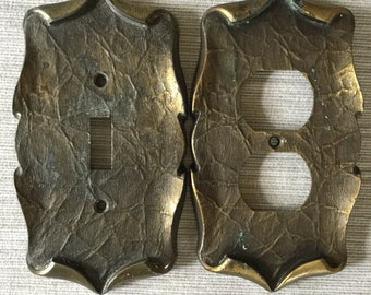 Carriage House Switch n Outlet Plate Receptacle Cover Set
