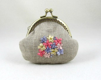 Embroidered purse, Linen coin purse, Hand embroidery, floral pouch, beaded purse, Frame purse, For her