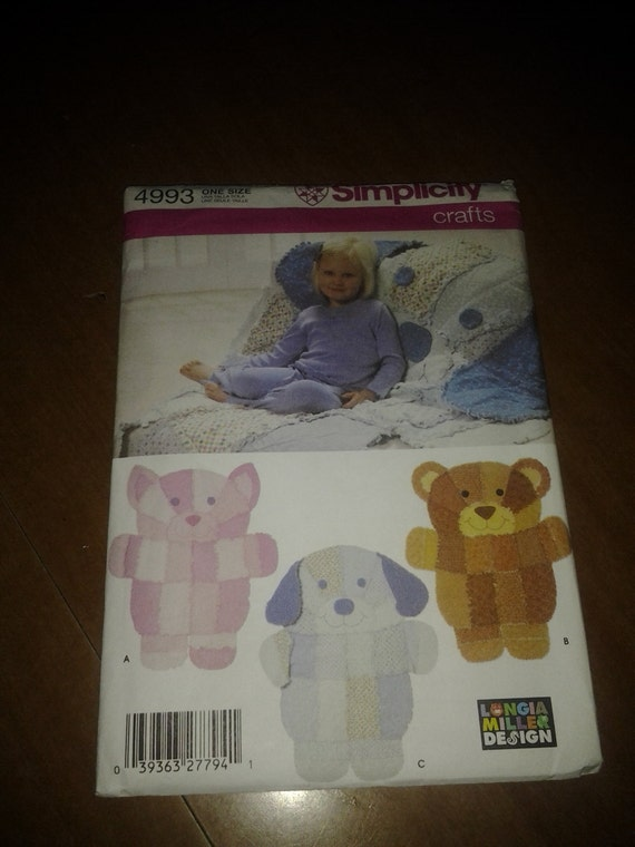 Simplicity crafts 4993 rag quilt wall hangings or throws for Simplicity craft pattern 4993