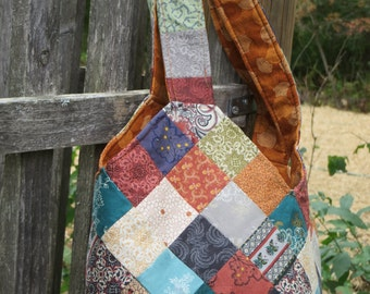 Quilted multicolored patchwork bag