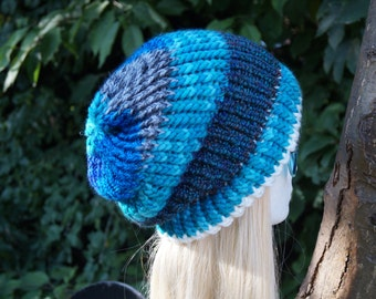 Beanie , blue with grey