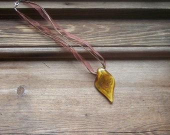 Yellow and brown glass pendant