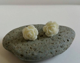 TODAY SALE Ivory Flower Stud Earrings with Glitters, Mystic Rose Stud Earrings, Everyday Earrings, Wedding Gift