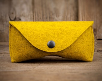 Sichtschutz, the felt glasses case, mustard WT0315