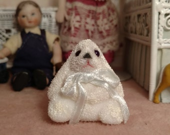 White Lop Bunny 1:12 Scale Item #17383