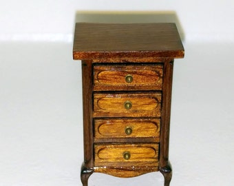 Dollhouse Miniature 1:24 Scale Chest of drawers Item #17313