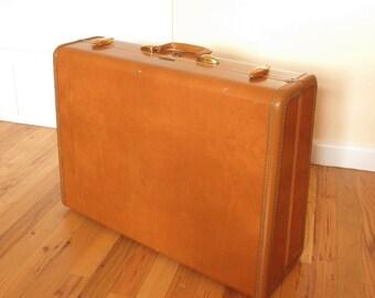 Vintage 40's/50's Samsonite Suitcase- Caramel Brown Faux Leather- Large Hard Case- Style #4635- Beautiful Retro Travel Luggage