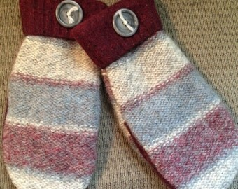 C8 felted wool mittens   Lined with fleece size large