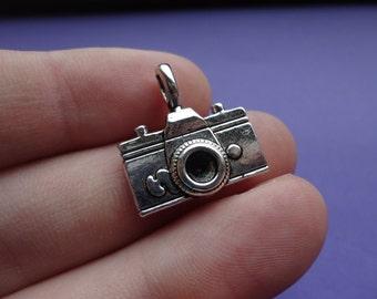 Camera Charm 6 pcs 23x21mm C022