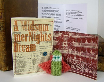 Titania. Midsummer Night's Dream. Shakespeare gift box, with knitted finger puppet actor, folded stage and speech.