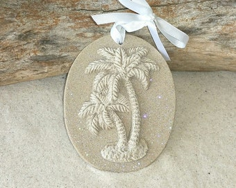 DOUBLE PALMETTO Palm Tree Made with Sand Ornament
