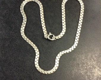 silver flat collar chain