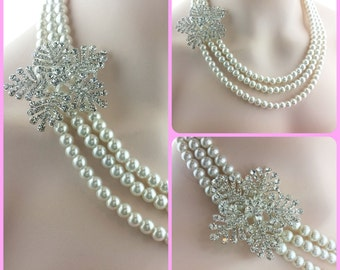 Snowflake Bridal Necklace - Winter Bride - Pearl Bridal Jewelry - Crystal Snowflake - Bridal Necklace - Vintage Style - Chunky Pearl Strand