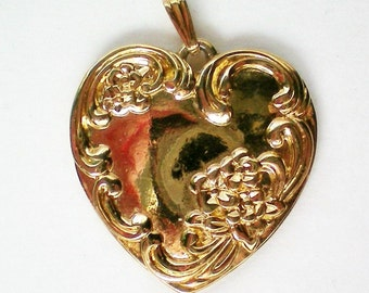Heart Shaped Pendant with LOVE Inscription - 4096